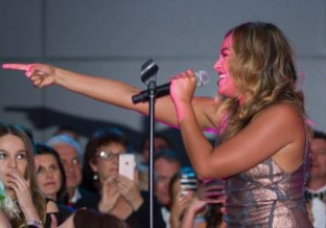 Jessica Mauboy sizzles with star power for SMA